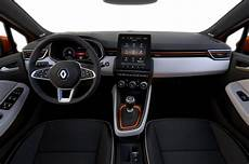 renault clio innenraum renault gives glimpse of all new clio interior the