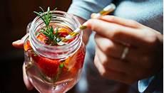 Detox Wasser Selber Machen So Geht S S Health