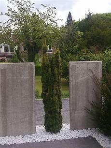 sichtschutz mit beton elementen righini garten und