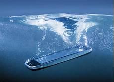 handy ins wasser gefallen handy ins wasser gefallen so retten sie ihr smartphone