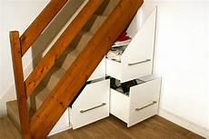 grands placards tiroirs coulissants sous escalier