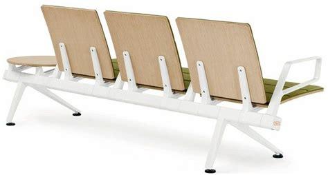 Poltrona Frau Contract Presenta 'flair Airport Seating