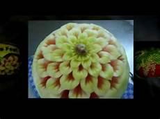 melone kunstvoll schneiden melone schnitzen