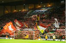 wallpaper liverpool the kop an image of the kop in 1983 liverpoolfc