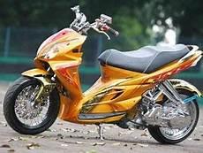 Modifikasi Motor Skywave by Modifikasi Suzuki Skywave 2008 Lowrider Info Foto Gambar