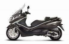 2013 Piaggio X10 500 Scooter Review