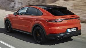 New Porsche Cayenne Coupe 2020 Driving Sound Exterior