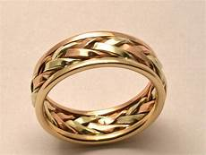 15 inspirations of unconventional wedding bands