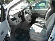Export Used 2011 TOYOTA SIENNA LE  WHITE ON GREY