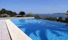 cout d une piscine prix d une piscine 224 d 233 bordement co 251 t de construction