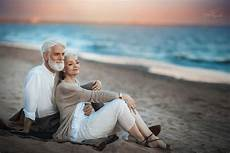 famous old couple from the romantic shoot are not a real