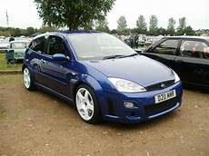 felgen ford focus imperial blue ford focus rs mk1 with white rims ford