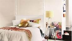 Deko Für Schlafzimmer Wände - wei 223 e w 228 nde im schlafzimmer aufpeppen deko idee