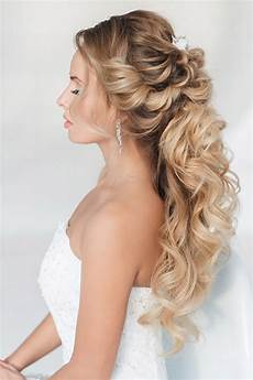40 stunning half up half down wedding hairstyles with