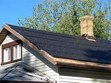 dach mit dachpappe decken das gartenhaus mit dachpappe decken wo liegen die kosten