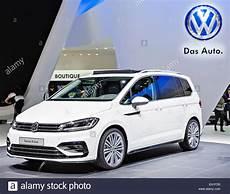 Volkswagen Touran R Line Stock Photo 79324700 Alamy