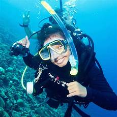 smashing stereotypes as a scuba instructor