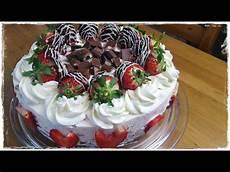 Sommerliche Yogurette Torte Erdbeer Joghurt Torte