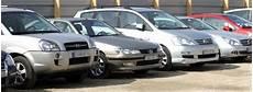 voiture abimée sur parking choisir un parking pour sa voiture voyages authentiques