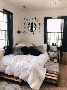 Aesthetic Vsco Bedroom Ideas vsco maddiemcg77 bedroom decor bedroom decor