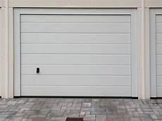 isolant porte de garage isolation des portes de garage