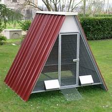 gabbie per pollame raised chicken coop