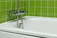emaille badewanne neu beschichten badewannenbeschichtung preis das kostet eine