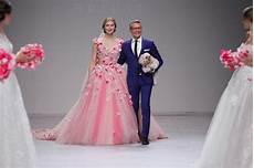 randy fenoli dresses reality will dress up wilmington for breast cancer