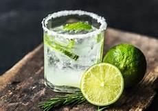 cocktails selber machen welches werkzeug und zutaten