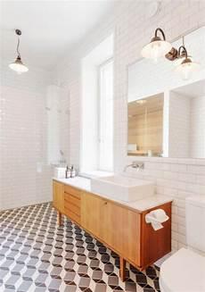 retro fliesen bad badmoebel holz waschschrank vintage fliesen boden figur weiss retro in 2019 badezimmer