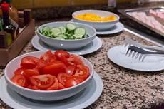 gewächshaus gurken und tomaten tomaten gurken und gelber paprika zum schinkenspeck