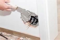 reboucher un trou dans du placo reboucher trou mur