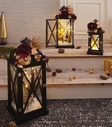 laterne dekorieren laterne mit lichterkette weihnachtlich dekorieren m 246 max blog