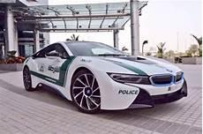 Mercedes Mit Flügeltüren - dubai setzt bmw i8 als polizeiauto ein