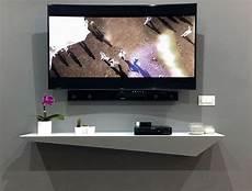 porta tv a muro con mensola lune design tzeno mensola a muro in corian e legno