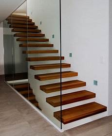 Escalier Suspendu Ego Avec Paroi Verre N H 233 Sitez Pas 224