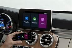 Mercedes To Offer Apple Carplay Retrofitting On