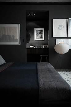 Welche Wandfarbe Zu Dunklen Möbeln - w 228 nde streichen ideen in dunklen schattierungen