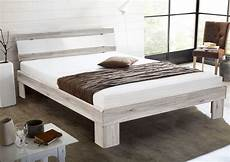 futonbett mit matratze 140x200 futonbett rhone inkl rollrost u matratze weiss beton