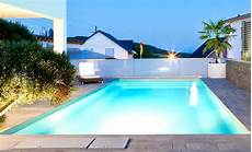 garten mit pool gartenpool outdoor pools desjoyaux pools