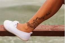 Fuß Frau - henna unterschenkel blumen bodypainting mandala