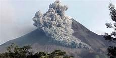 Artikel Berita Gunung Merapi Meletus