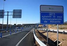 spaanse snelwegen worden gratis tussen 2018 en 2021 autogids