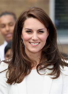kate middleton long side part kate middleton hair looks