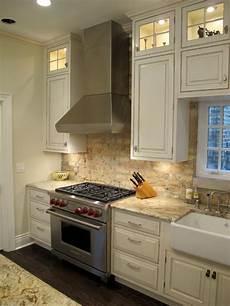 lincoln park chicago kitchen with brick backsplash
