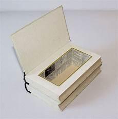 Kisten Boxen Doppeldecker Buchbox Ein Designerst 252 Ck