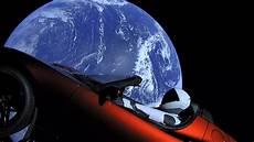 Brauchen Wir Einen Tesla Im All Oh Ja Danke Elon Musk