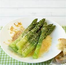 spargelsalat tim mälzer gratinierter gr 252 ner spargel rezept essen und trinken