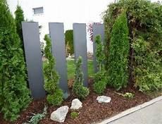 Garten Stelen Metall - stele und sichtschutz aus metall rostfrei metallmoebel24