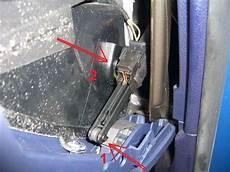 cimg3713 bremselement handschuhfach ausbauen audi a4